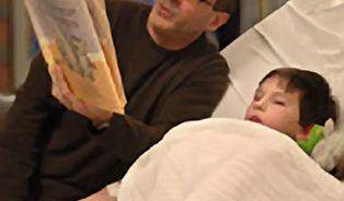 Chcete být s dítětem v nemocnici? Narazíte na džungli
