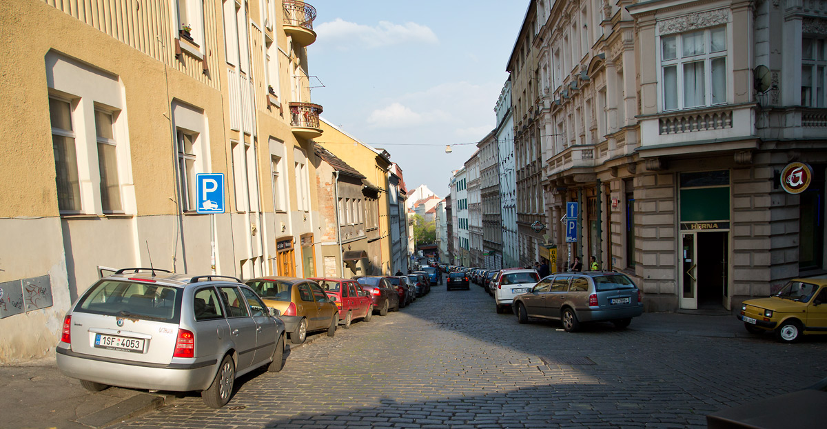 Krymská ulice v Praze se proměňuje díky nadšeným podnikatelům.