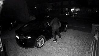 Root.cz: Ukradli vůz Tesla, trvalo to pár sekund