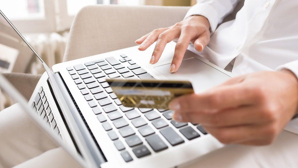 Platby kartou podl�haj� #EET, a to i�kdy� p�jdou skrze platebn�br�nu
