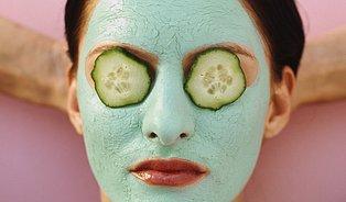 Ovesné vločky vyživují pokožku azelí čistí póry