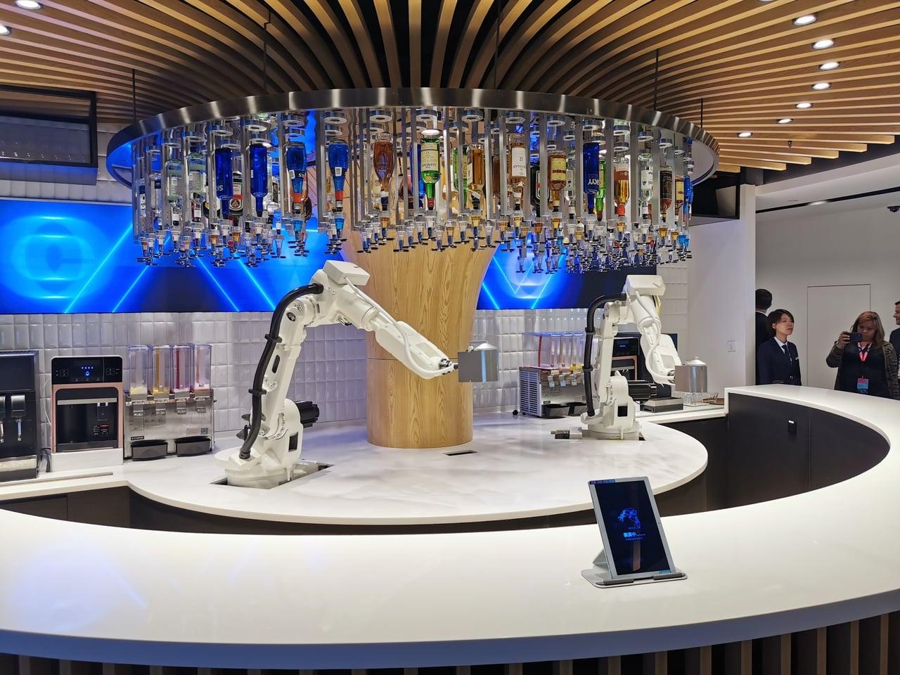 Robotický bar v Číně