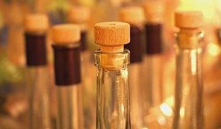 Správná pálenka se má prodávat včiré lahvi