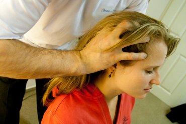 Masáž hlavy - šamponování