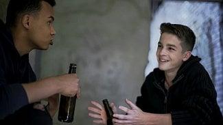 Podnikatel.cz: Mladiství figuranti kupují alkohol. Smutné, jde to lehce