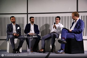 Panelová diskuse k mobilnímu bankovnictví: zleva Jan Hruška, Kamil Rataj, Tomáš Veselý; moderuje David Slížek