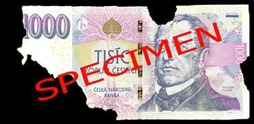 Běžně poškozená bankovka: Necelá bankovka, jejíž plocha je větší 50 %. Fyzická osoba: Může přijetí odmítnout. Právnická osoba a směnárník: může přijetí odmítnou, protože bankovka není celá. Úvěrová instituce provádějící pokladní operace: nevrací zpět do oběhu a předávají ji ČNB.