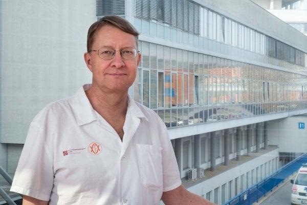 Prof. Jiří Mayer, přednosta Interní hematologické a onkologické kliniky FN Brno a LF MU, kde bylo provedeno první podání buněčné genové onkologické terapie