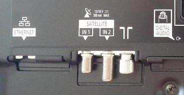 Špičkové televizory nabízejí zdvojenou tunerovou sadu, takže můžete současně nahrávat a sledovat jiný pořad třeba i na mobilu či tabletu. Ale jak vidíte, musíte si vybrat buď mezi příjmem 2x DVB-T nebo 2x DVB-C, u satelitního DVB-S/S2 je to už jedno.