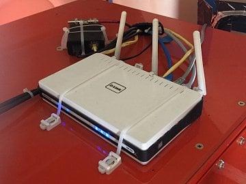 Router pro lokální Wi-Fi.