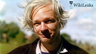 Root.cz: Julian Assange byl po sedmi letech na ambasádě zatčen
