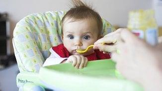 Neolizujte mu lžičku! 5zásad pro rodiče, kterým záleží na zdravých zubechdětí