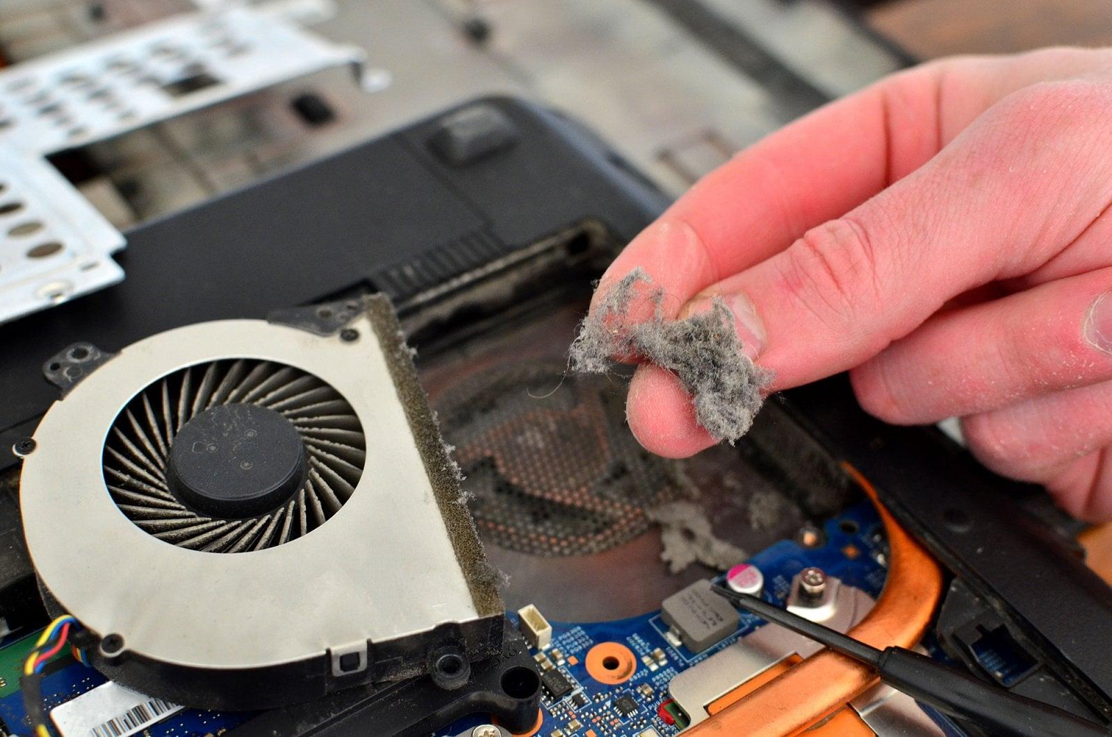 Jak může vypadat nečištěný počítač