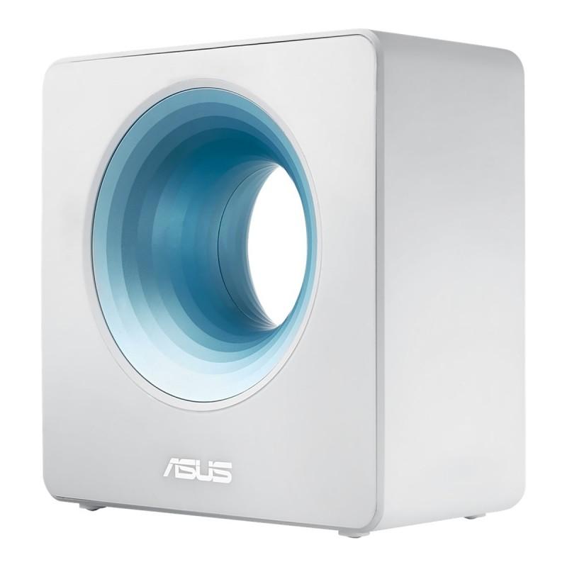 Abychom získali z naší sítě využívající technologii AiMesh maximální výkon, nahradili jsme starý router RT-1900P routerem Asus Blue Cave.