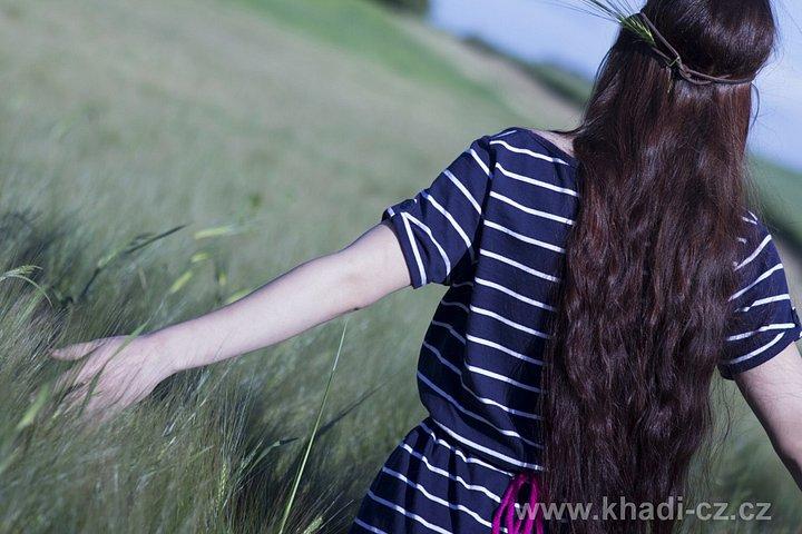 Henna a přírodní barvení  vlasy obarví 965f12fb0ef