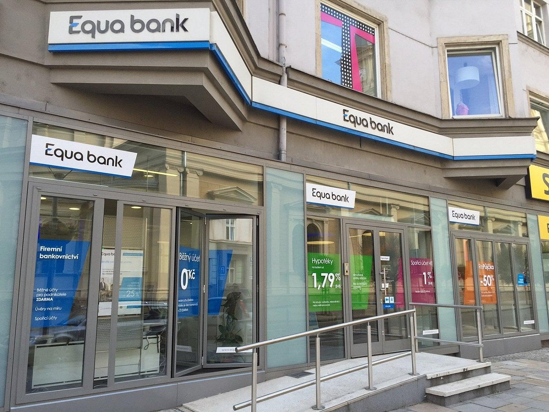 Equa bank po 10letech končí. Koupila ji Raiffeisenbank