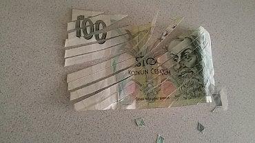 Bankovka, kterou nám poslal čtenář Měšce – zničená skartovačkou.