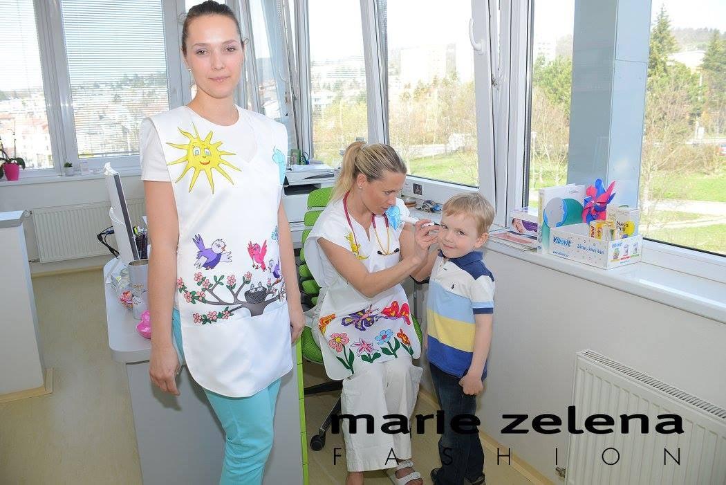 Veselé zástěrky pro dětské lékaře a sestry