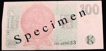 Inovovaná emise bankovky v hodnotě 100 Kč.