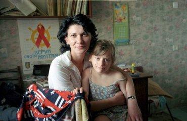 Ukrajina, HIV pozitivní Valeria s dcerou