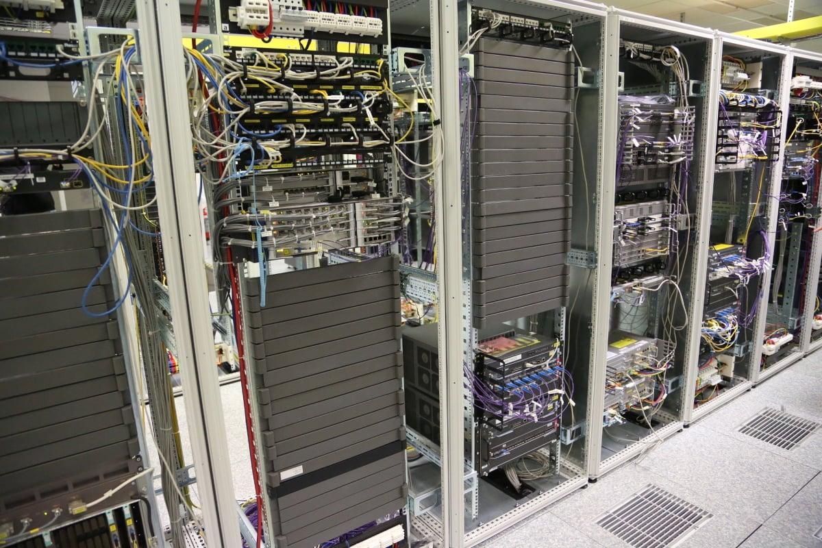 CETIN: servery