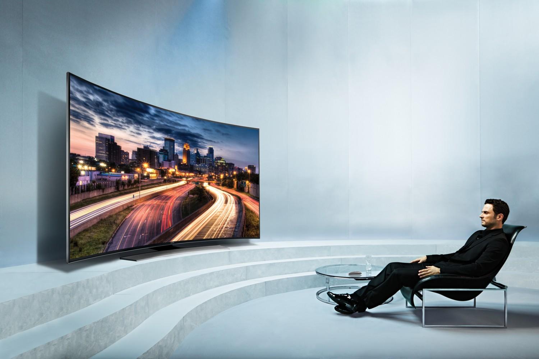 Prohnuté Ultra HD televizory Samsung pro rok 2014