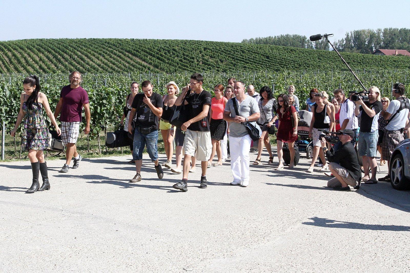 Farmář hledá ženu a Polívka na víně