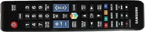 Dálkový ovladač s výrazným tlačítkem pro vyvolání rozcestníku Smart Hub. Pokud něco hledáte a už nevíte kam byste zaskočili, tady budete nejspíše na té správné adrese.
