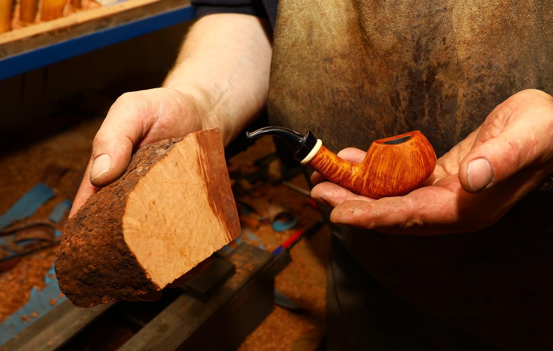 Jan Klouček vyrábí dýmky. Podívejte se, jak jeho práce vypadá