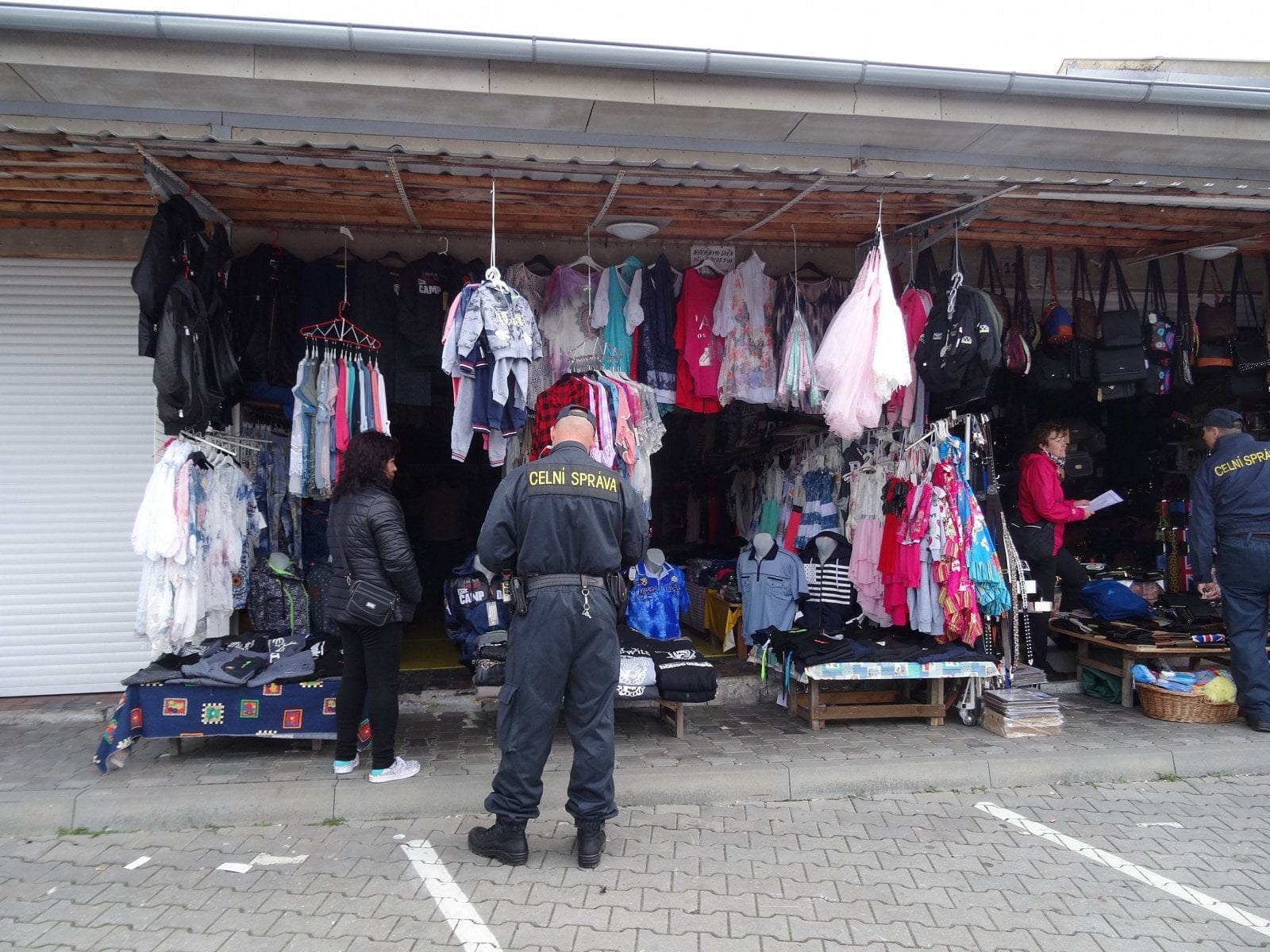 Kontrolní akce EET v příhraničních tržnicích