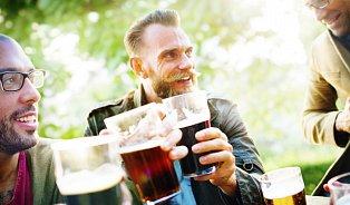 Mýty okonzumaci alkoholu: Češi pijí mnohem méně, než sezdá