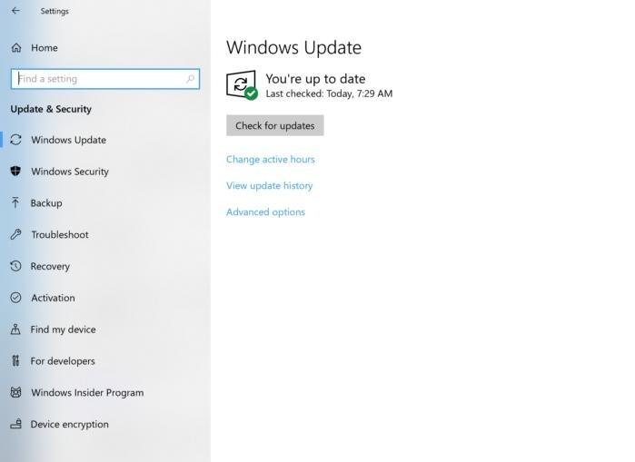 Na obrázku vidíte hlavní obrazovku služby Windows Update, na které zjistíte, zda jsou k dispozici nějaké aktualizace, popřípadě informaci o tom, zda se čeká na jejich instalaci. Zároveň se stiskem tlačítka (Check for updates) Vyhledat aktualizace můžete přímo dotázat Microsoftu, zda aktuálně nejsou k dispozici nějaké aktualizace.