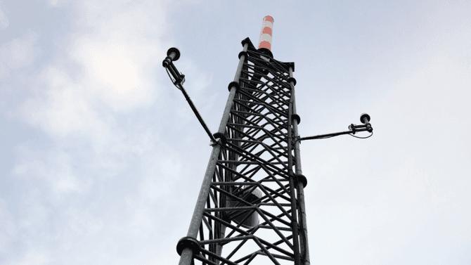 Sem se normálně nepodíváte. Jak funguje DVB-T a DVB-T2 vysílač na pražské Novodvorské?