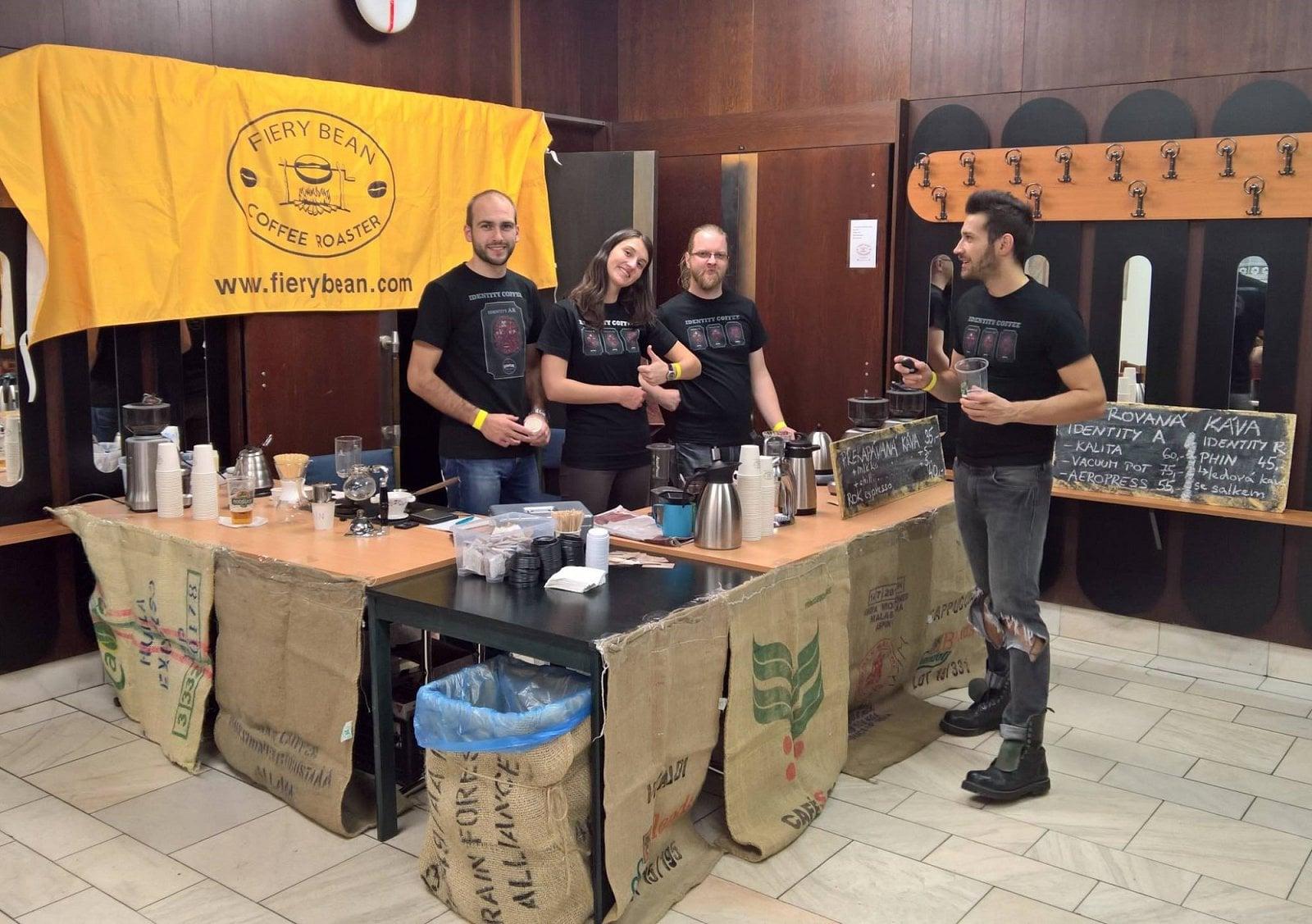 Nahlédněte do otrokovické pražírny kávy
