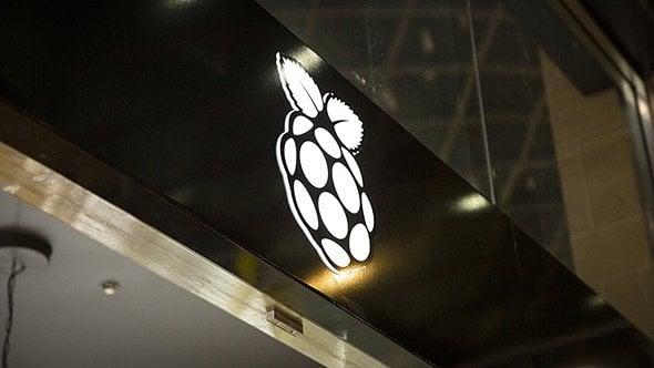 [článek] Wedos je největší registrátor .CZ domén, první obchod Raspberry Pi, 8Gb domácí internet