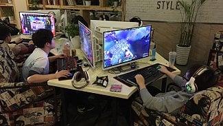 Lupa.cz: Číňané tráví životy ve videoherních barech