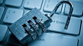 Sledování internetu vojenským zpravodajstvím: posun správnýmsměrem