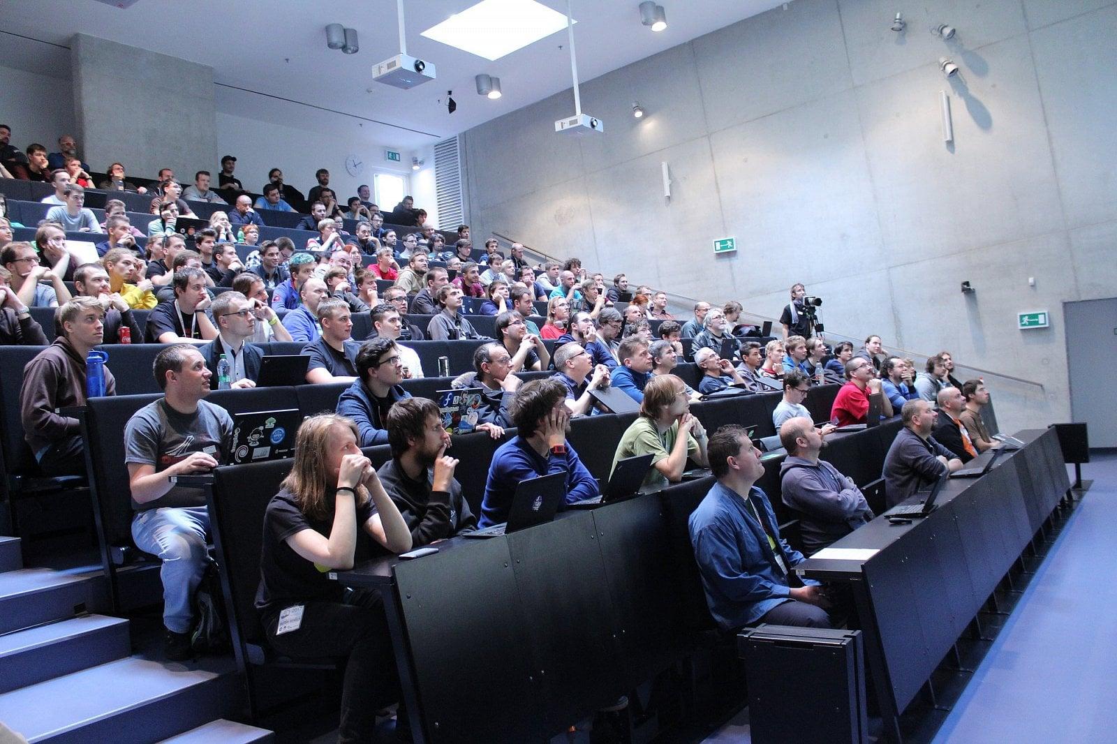 Foto reportáž z konference LinuxDays (neděle)