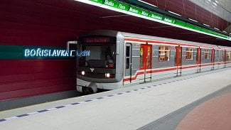 Lupa.cz: Do tunelů metra C dorazil mobilní signál