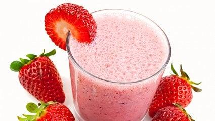 Vitalia.cz: Jogurtové smoothie vs. jahodový koktejl
