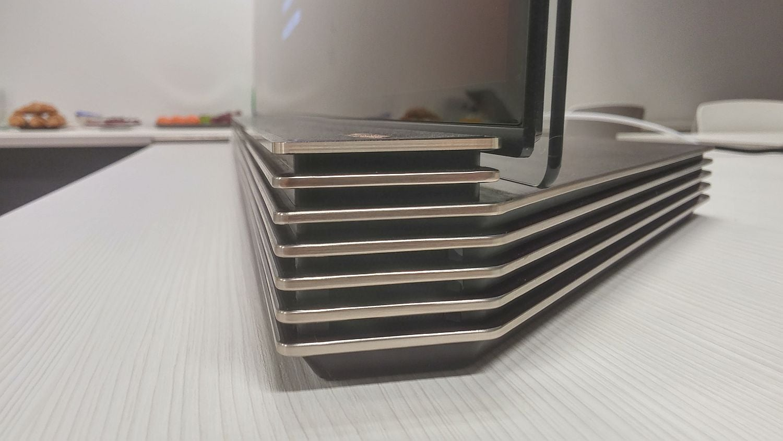 LG Signature OLED - design a hardware