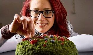 Sorry– pečeme jinak, říká autorka mechového dortu
