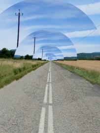 <p>Droste efekt - zajímavý kruhový efekt</p>