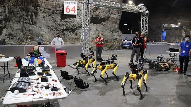 ČVUT skončilo druhé a šesté v robotické soutěži amerického ministerstva obrany