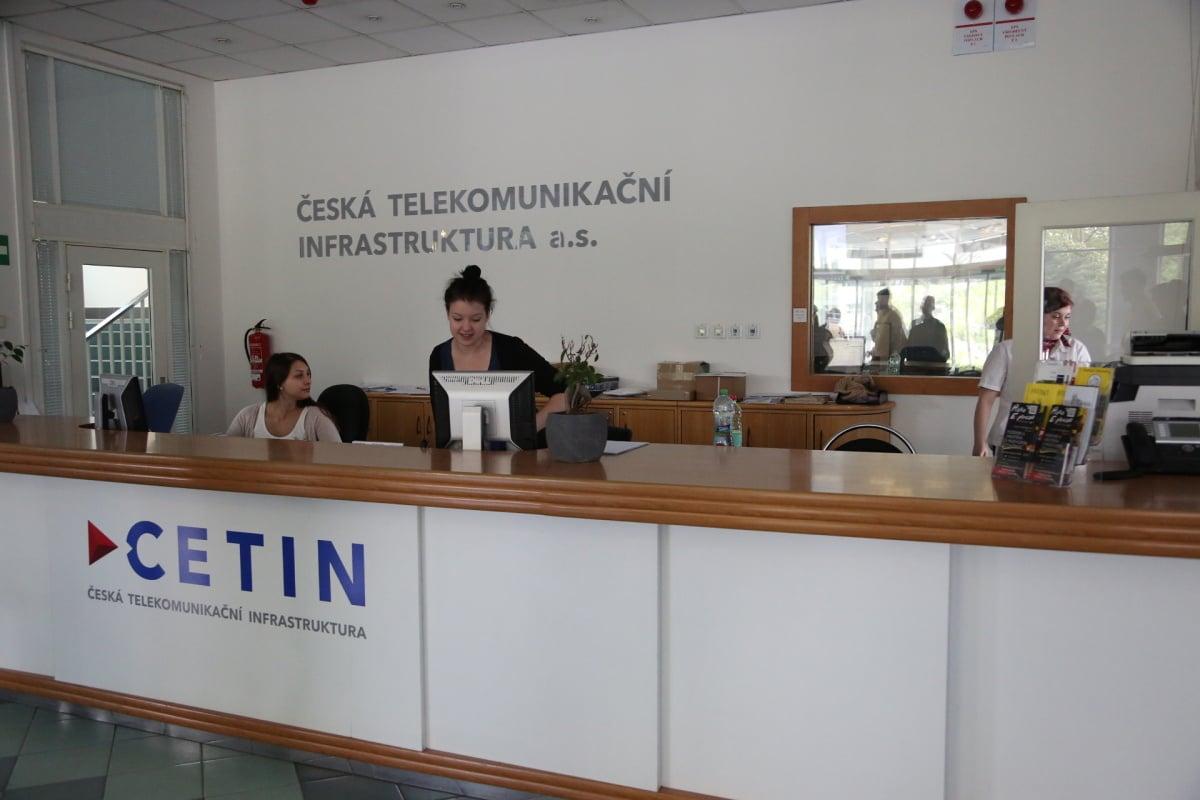 Od sklepů po věž - Ústřední telekomunikační budova CETINu