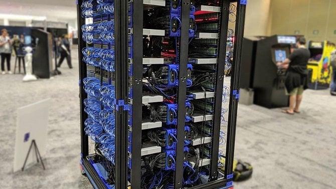 Superpočítač složený z1060desek Raspberry Pi má společnost Oracle