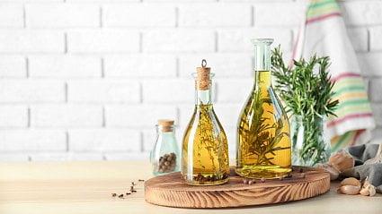 Vitalia.cz: Exkluzivní domácí bylinkové octy a oleje