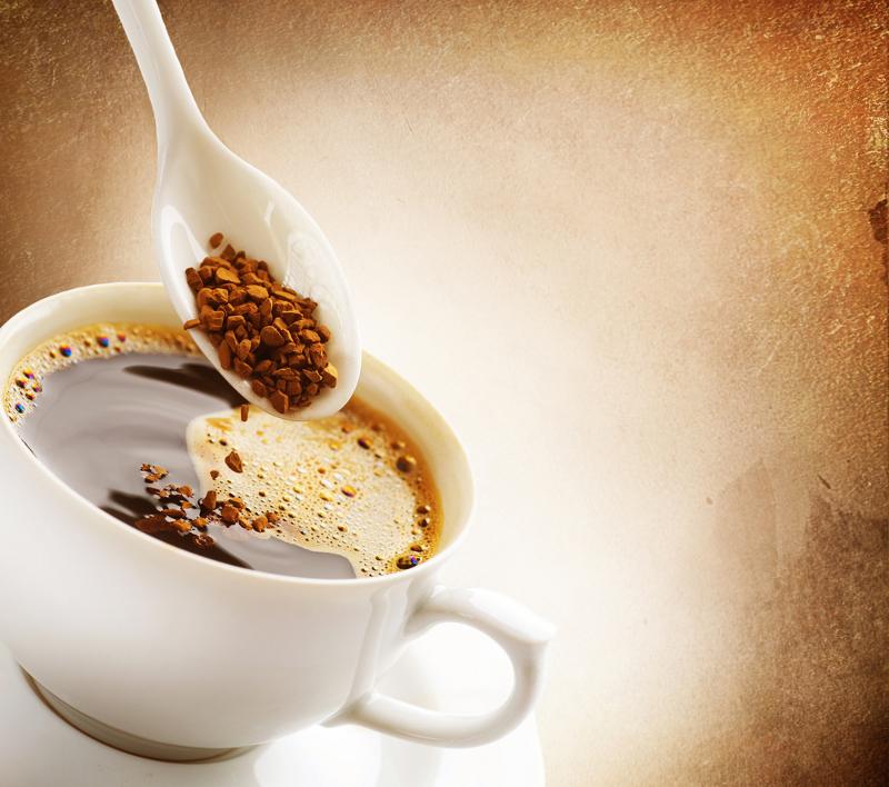 Kolik vypijeme instantní kávy
