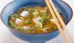 Zázračná polévka miso: japonský recept nazdraví