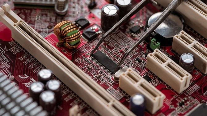 Víte, jakou základní desku máte vpočítači?